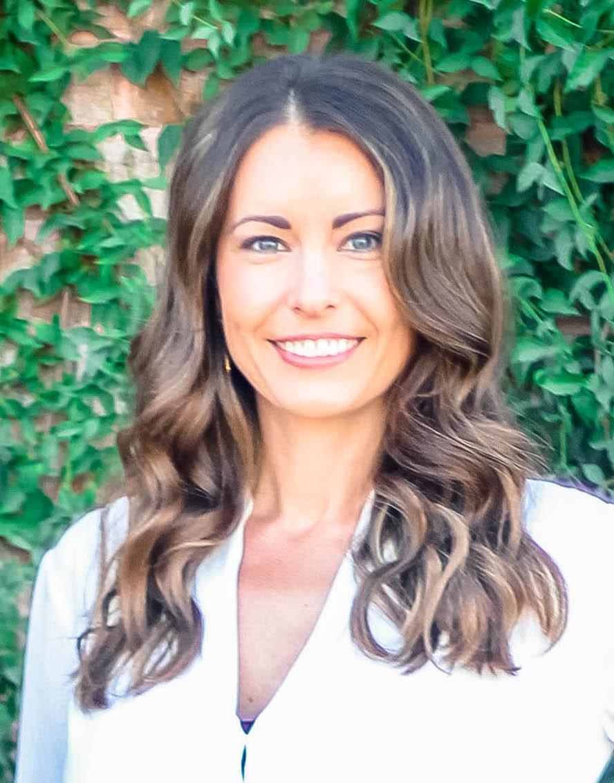 Lindsay Zingg Business Headshot